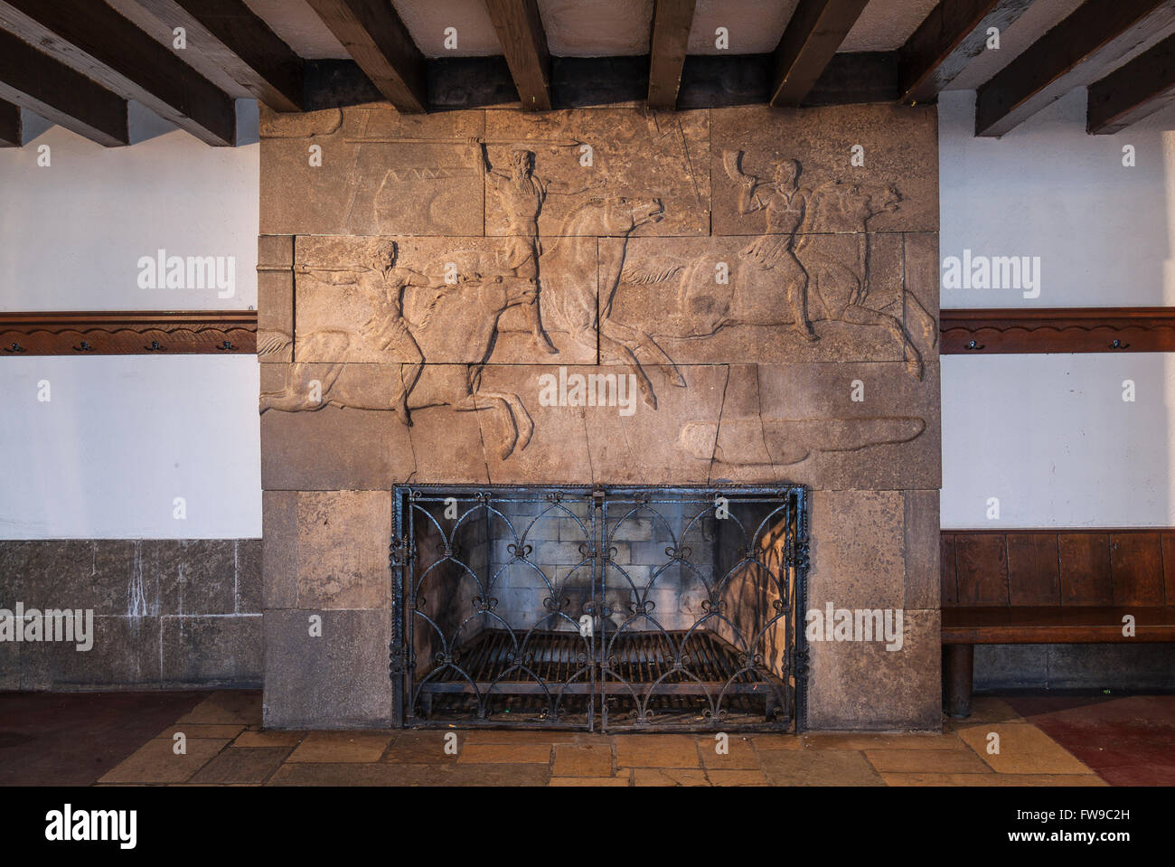 Fireplace with hunting scene relief nazi architecture for Architecture nazi
