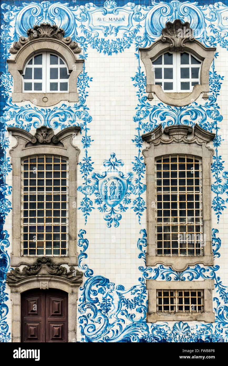 Traditional azulejos hand painted tiles covering the - Azulejos de exterior ...