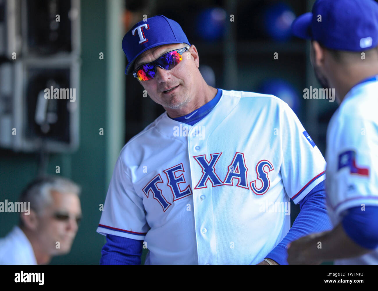 APR 04, 2016: Texas Rangers manager Jeff Banister #28 ...