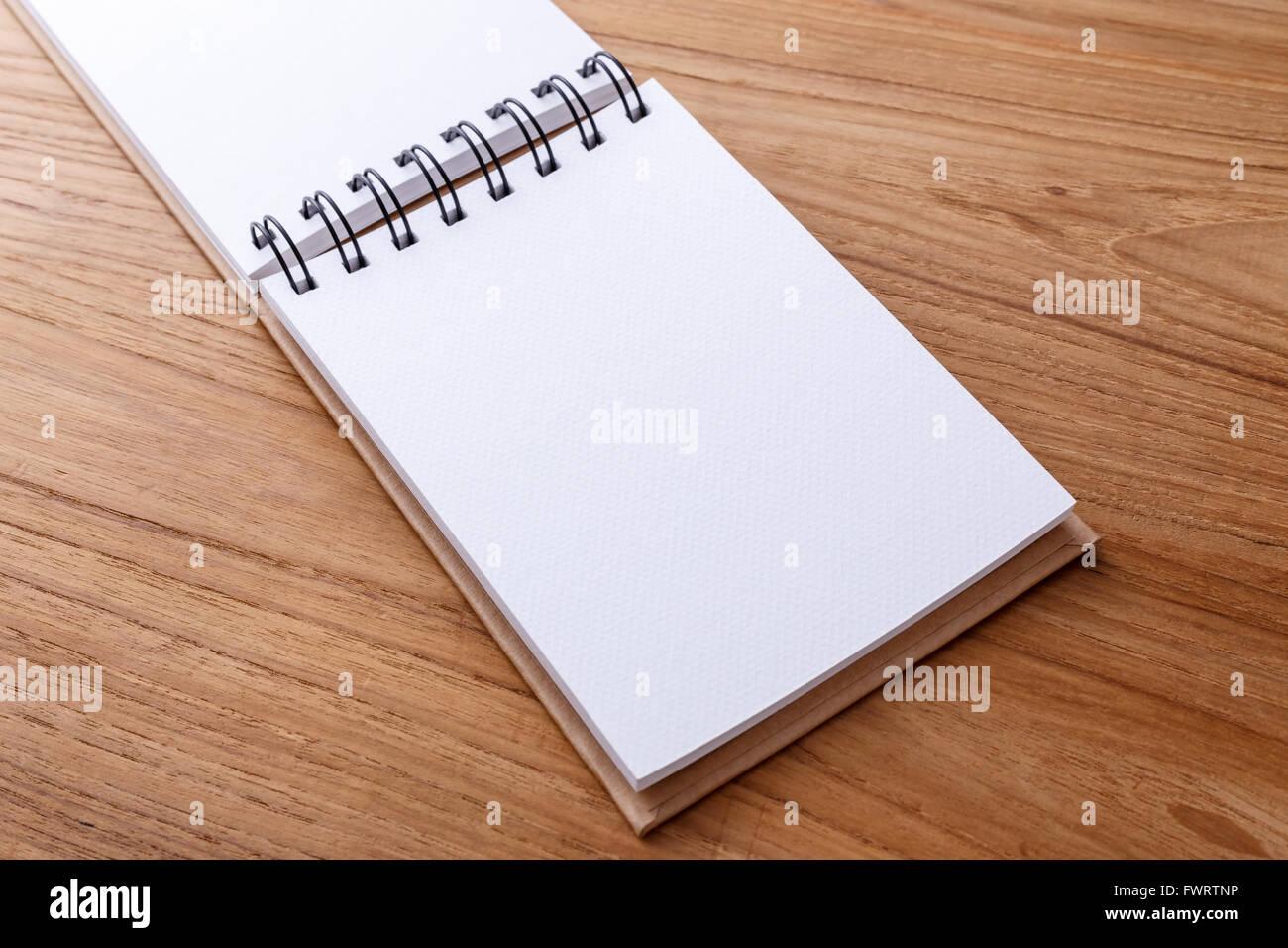 spiral-notebook-paper-texture