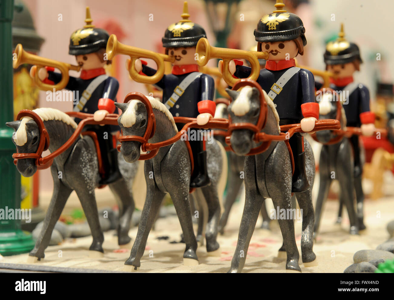 A detail from a diorama with cavalry trumpeters in the new - Pferde playmobil ...