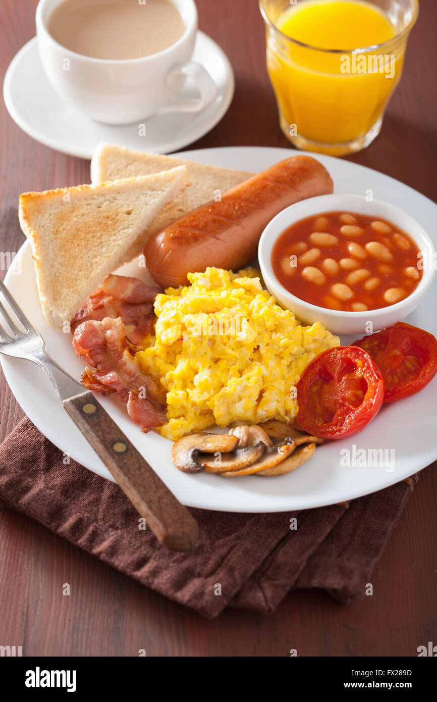 recipe: scrambled eggs with bacon and tomato [36]