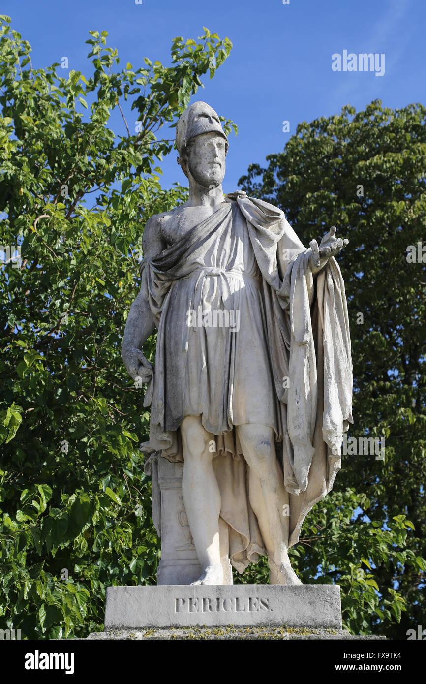 pericles and athens Si pericles o perikles (ca 495–429 bk), griyego: περικλῆς, na nangangahulugang napapalibutan ng luwalhati ay isang tanyag at maimpluhong politiko.