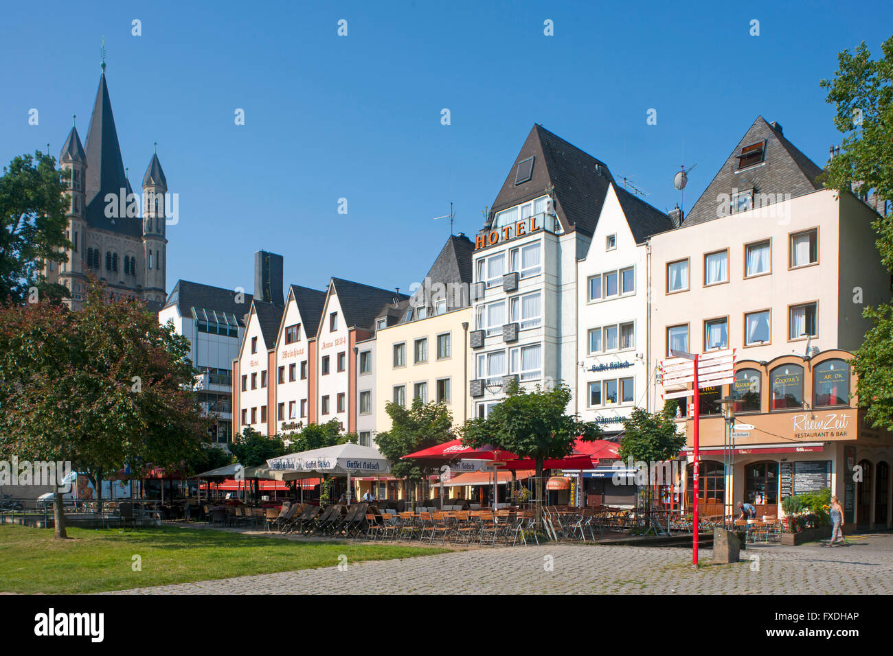 k ln altstadt rheinuferpromenade kirche gross sankt martin stock photo royalty free image. Black Bedroom Furniture Sets. Home Design Ideas
