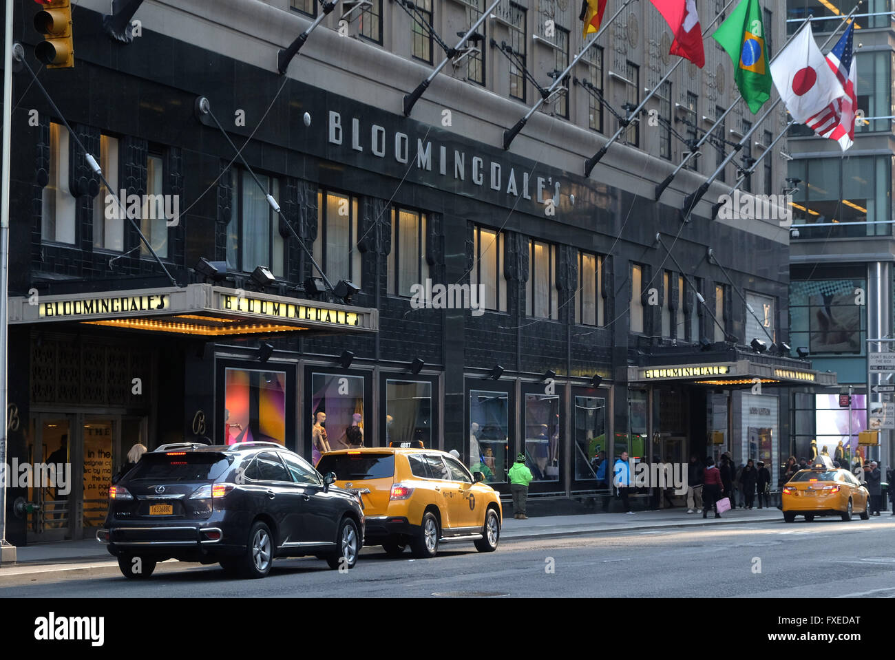 Jun 20,  · Bloomingdales is a big national chain. The flagship store in New York City is a very large department store with floors of fashion and home goods TripAdvisor reviews.