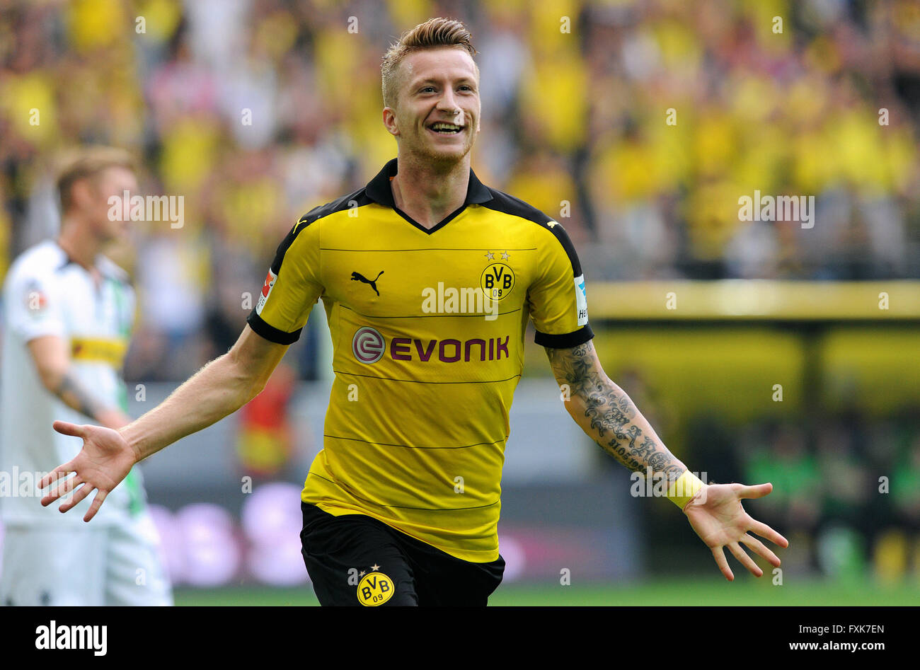 Cheers Marco Reus BVB after scoring 1 0 Signal Iduna Park