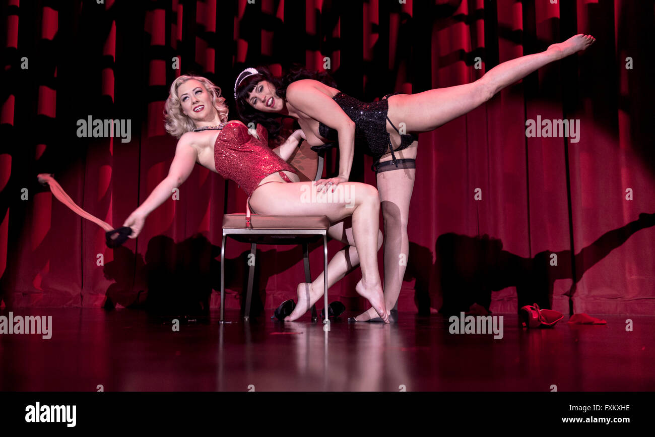 MISSY LISA And GINGER VALENTINE Perform In The Burlesque Showcase At Viva  Las Vegas. Now In Its 19th Year, VLV, Which Draws Attendees