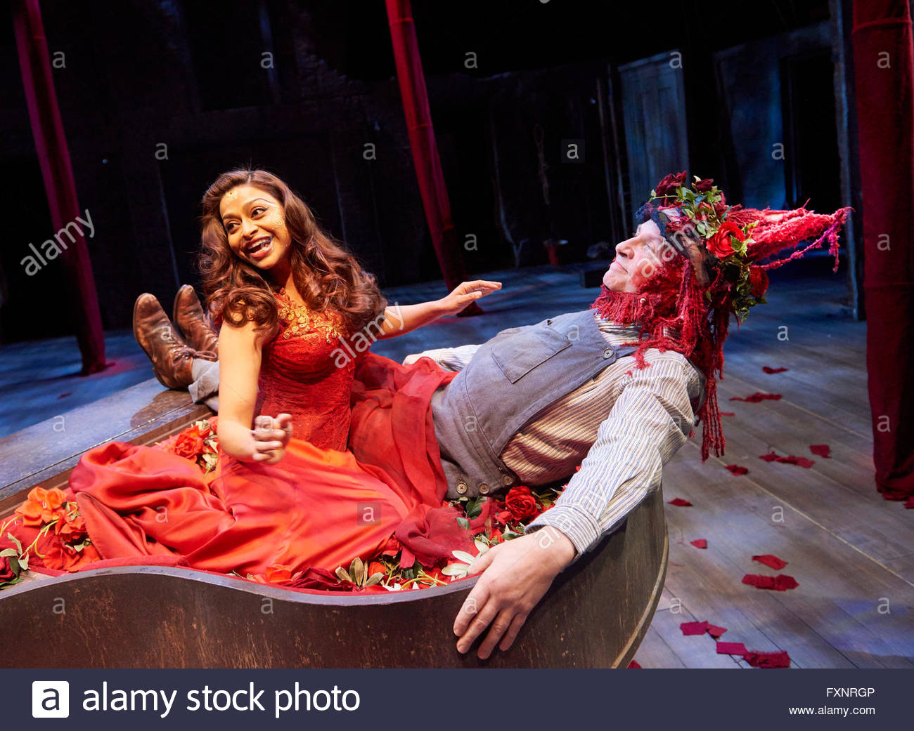 the conflict in the play a midsummer nights dream by william shakespeare A midsummer night's dream by william shakespeare, written between 1590 and 1595 and premiered on 1605 is believed to have been written for the nuptials of a noble house (olson 1957: 95).