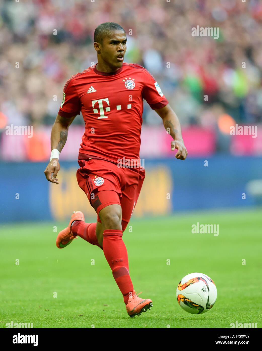 Munich Germany 16th Apr 2016 Bayern Munich s Douglas Costa de