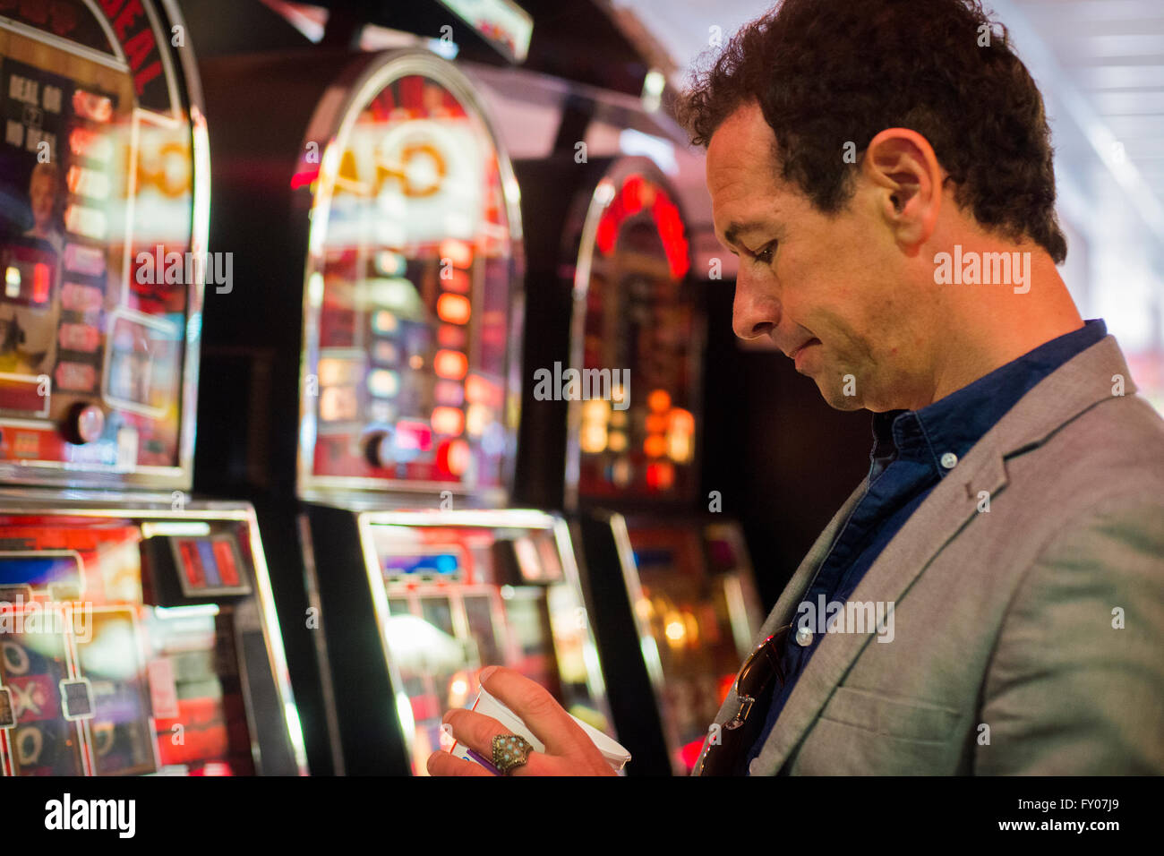 Losing money at casino casino roulette strategy