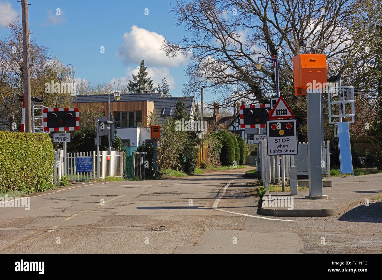 automatic railway level crossing Automatic gate control will help the accidents reduce occurring at railway  crossing  the proposed train anti-collision and level crossing protection  system.