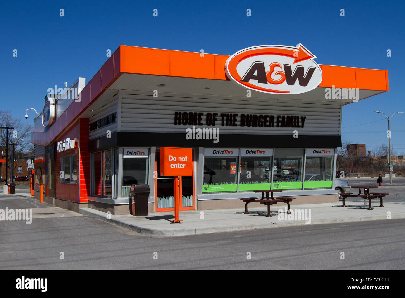 aw restaurants is a chain of fast food essay Fast food vs fine dining restaurants 1 a study on growth of fastfood chains in vadodara: an opportunity or a threat to fine- dining restaurants school of business and law.