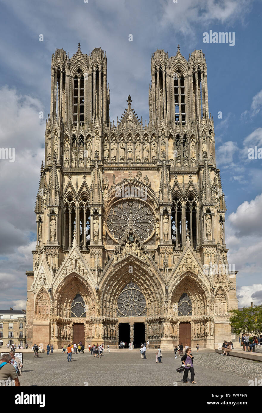 west front of the cathedral of our lady reims champagne france stock photo 102768773 alamy. Black Bedroom Furniture Sets. Home Design Ideas