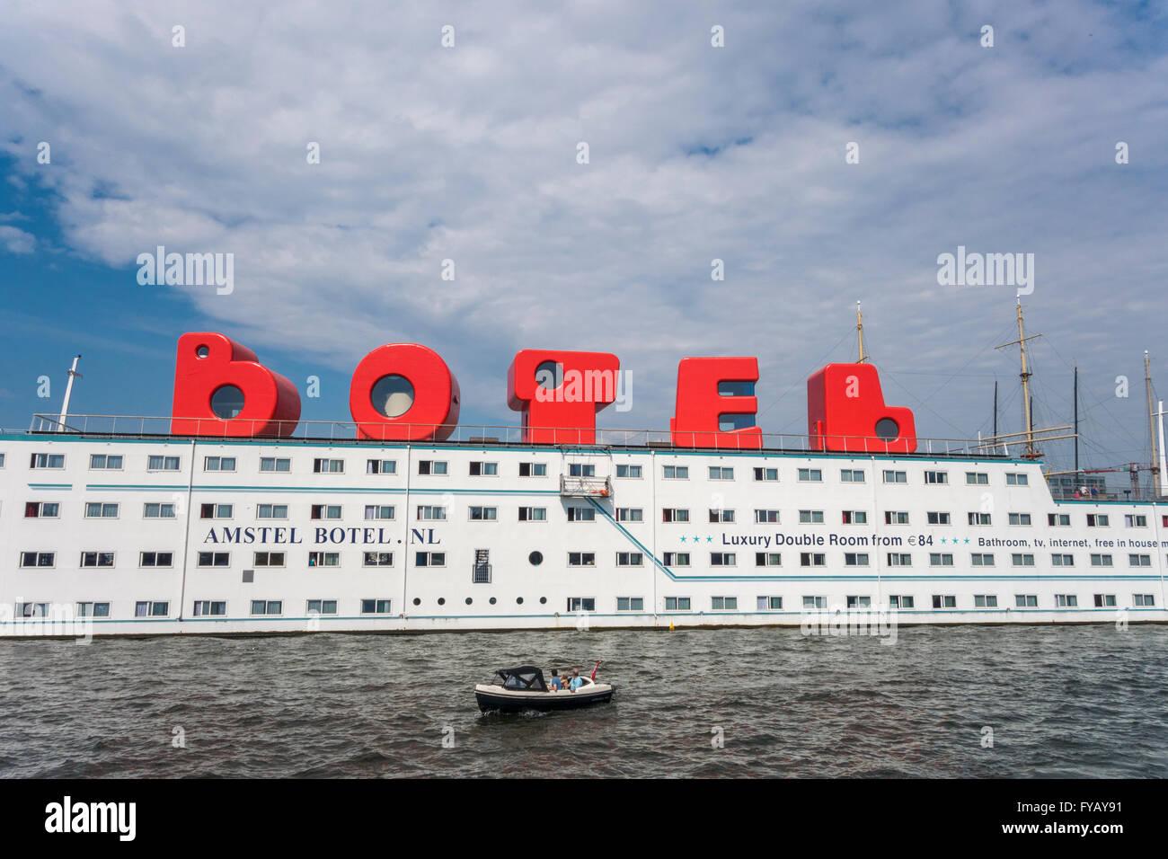 Floating Boat Hotel Amsterdam
