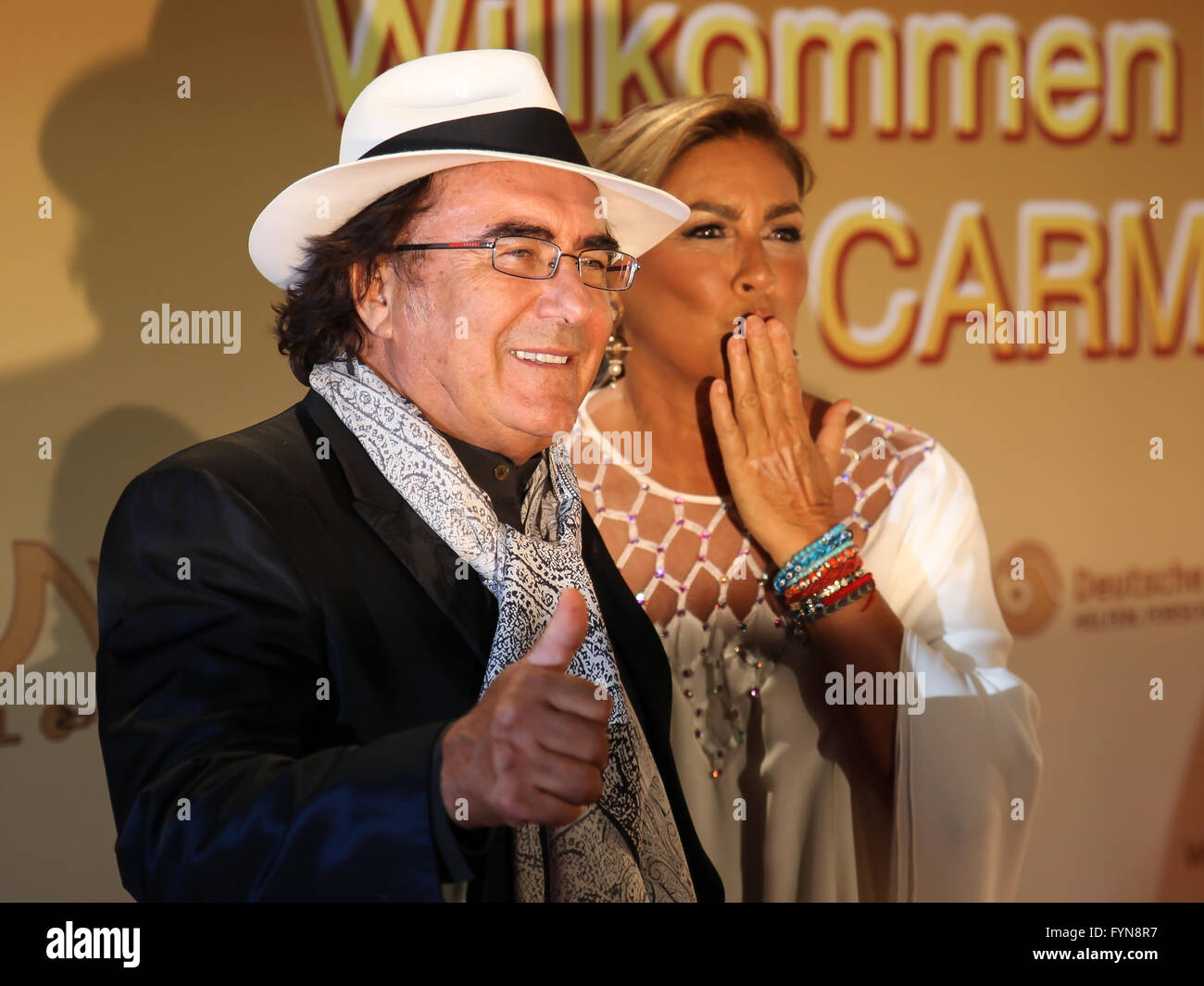Al Baño Romina Power:Al Bano & Romina Power Stock Photo, Royalty Free Image: 103115467