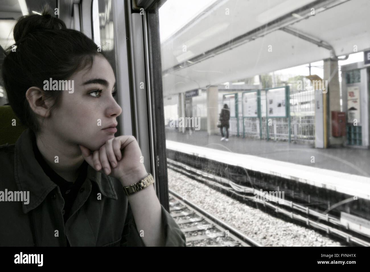 the girl on the train pdf free