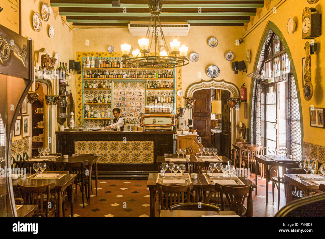 El quatre gats old bodega interieur barri gotic barcelona stock image