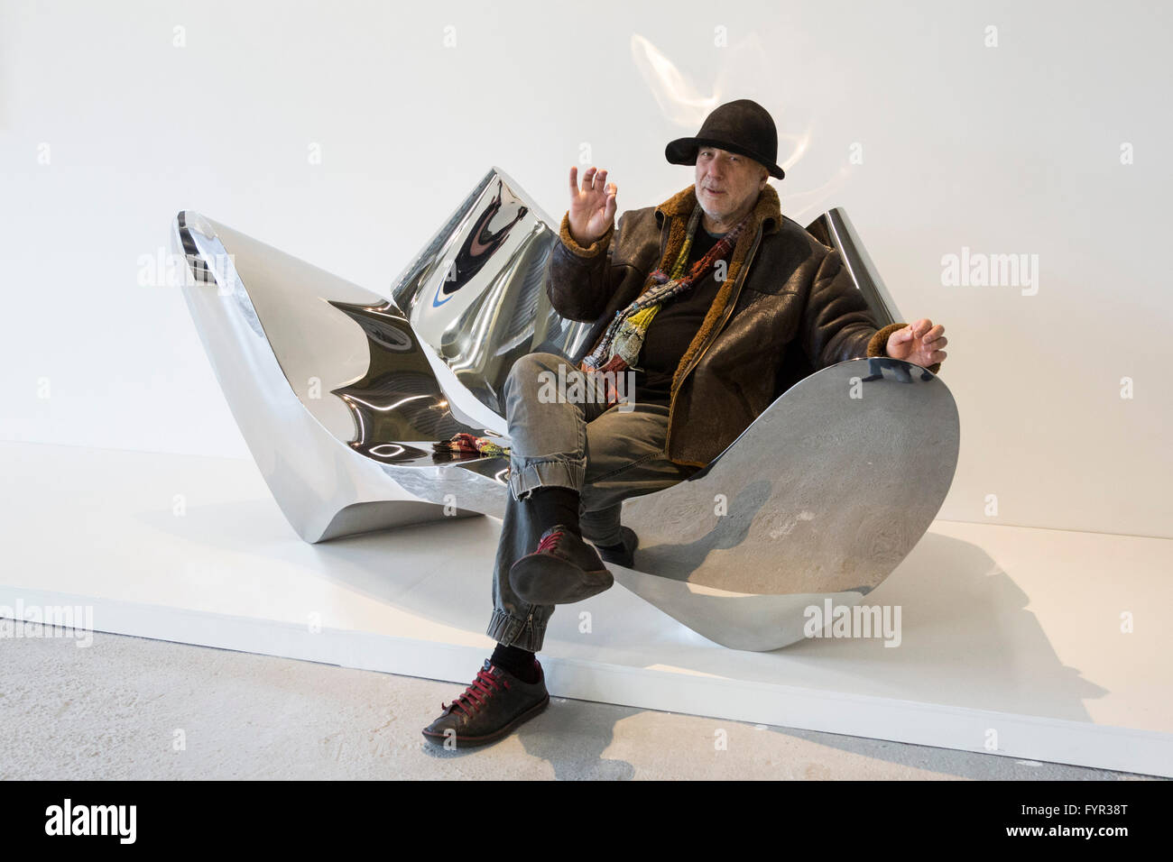 london, uk. 27 april 2016. designer ron arad sits on the polished, Mobel ideea