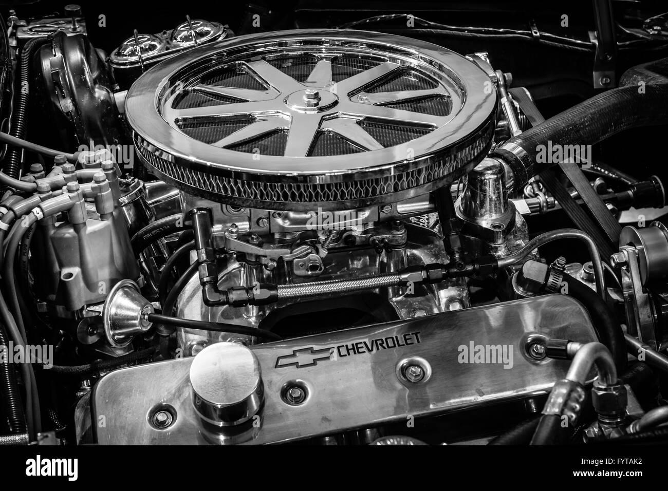 Engine ZZ4 of sports car Chevrolet Corvette Roadster Black Old ...