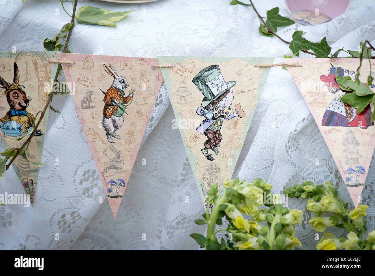 International Party Decorations Mad Hatter Afternoon Tea Party Decorations At Cake International