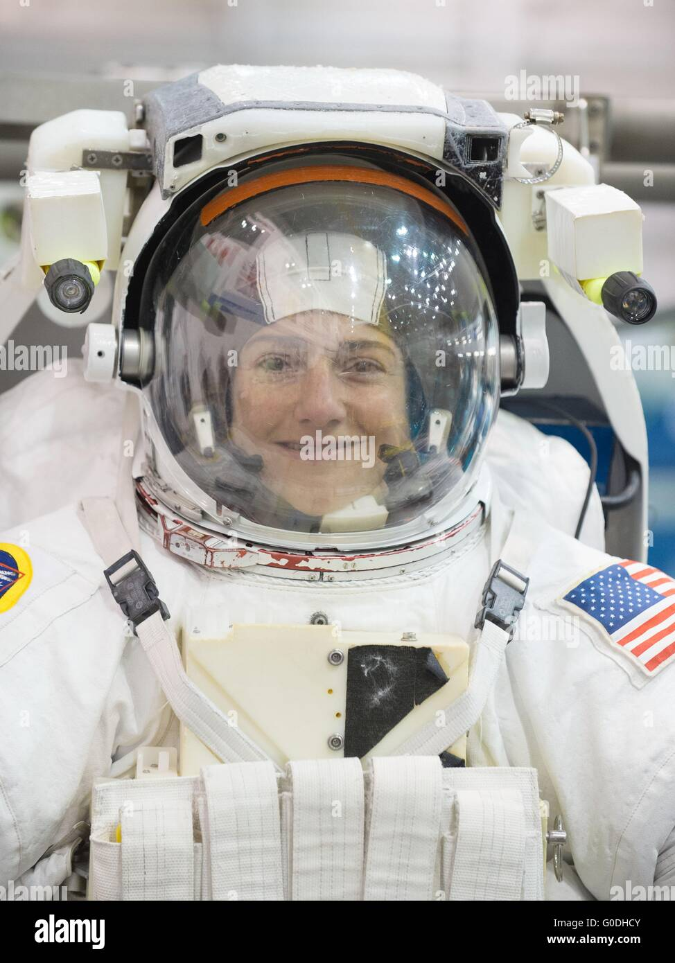 an astronaut in her space suit weighs 300 - photo #2