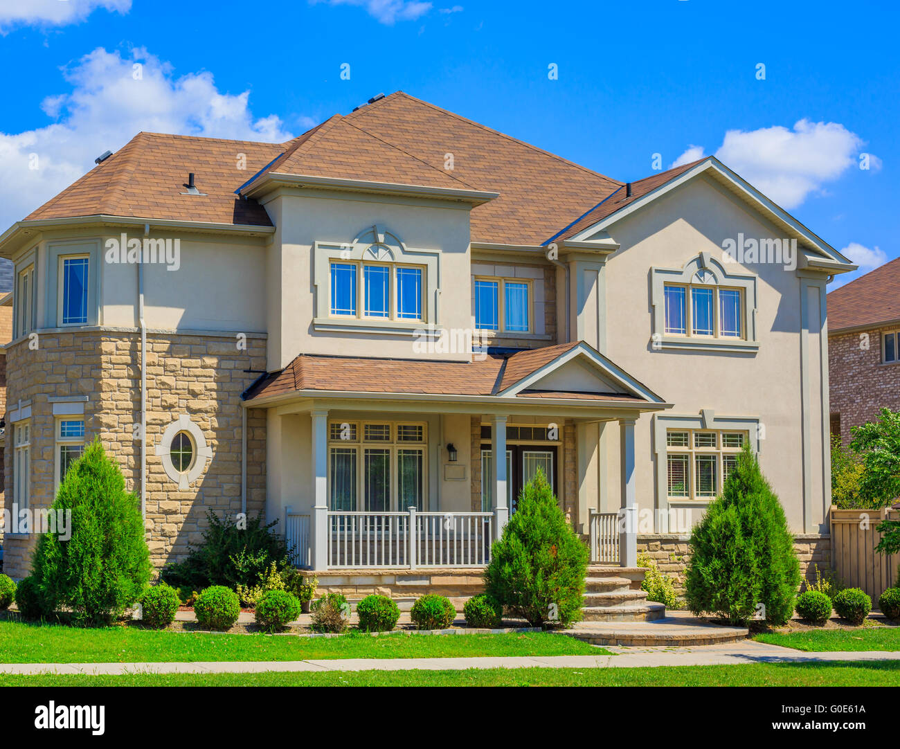 Luxury houses in north america stock photo royalty free for Different types of houses in usa