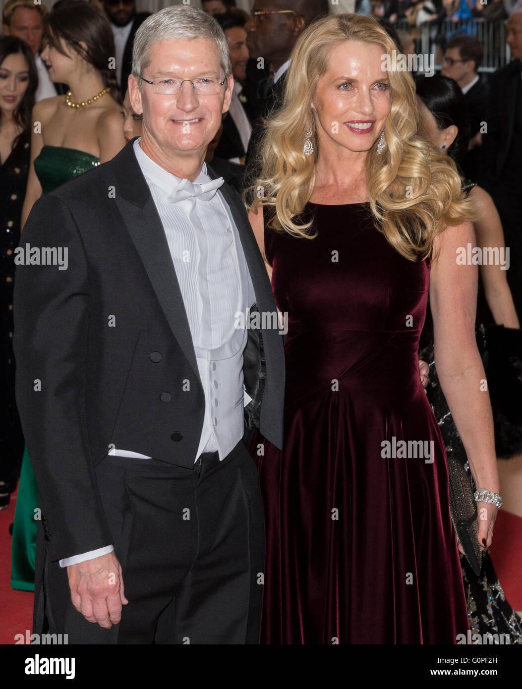 New York USA Nd May  Apple CEO Tim Cook And Laurene Stock - Museum usa jobs