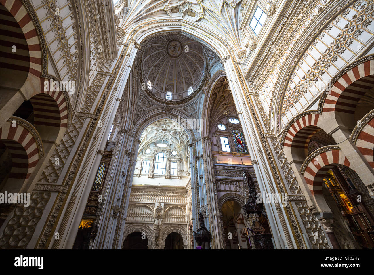La mezquita cathedral in cordoba spain the cathedral was for Mezquita de cordoba interior