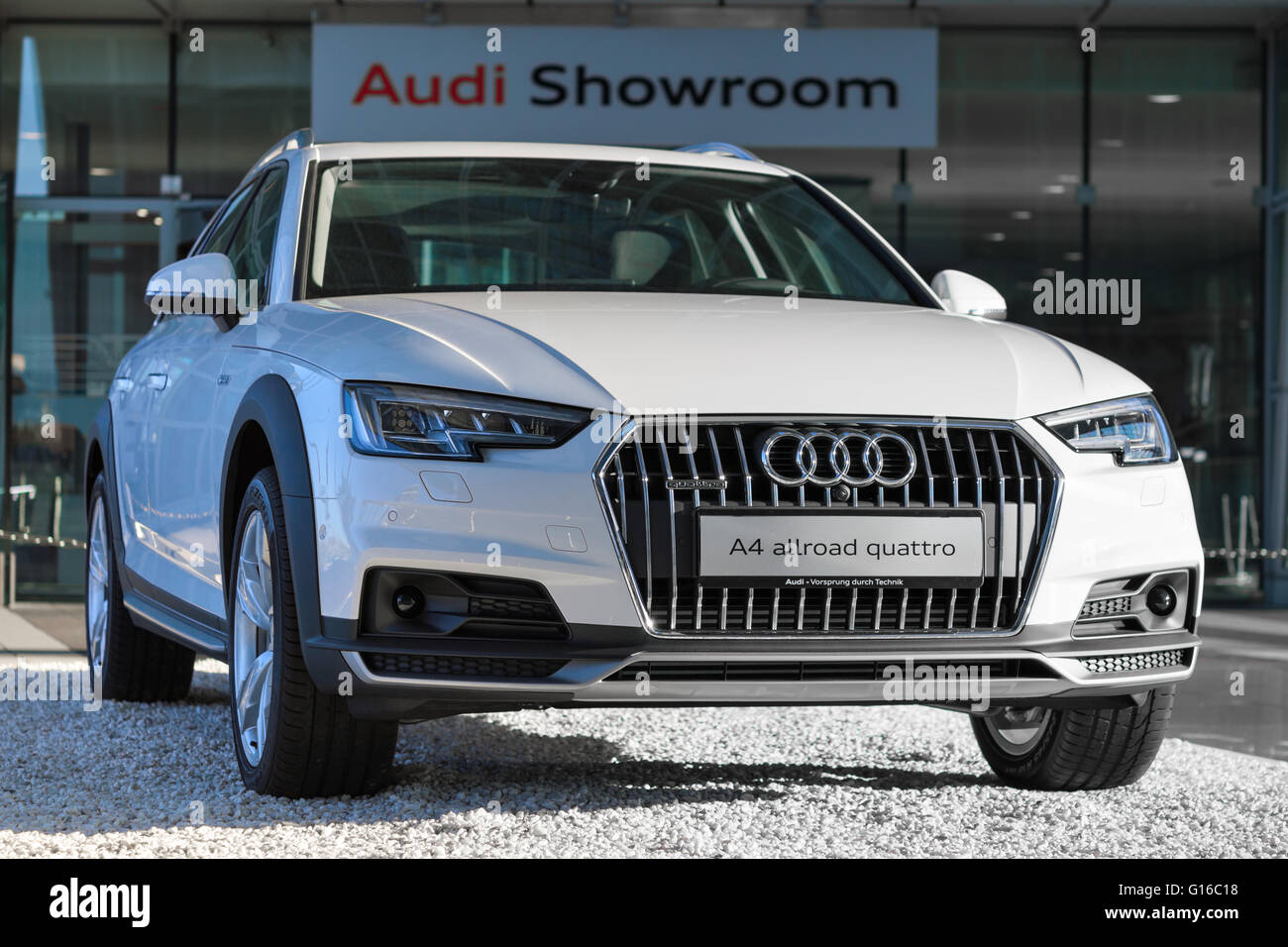 New Contemporary Model Of WD Crossover Audi A Allroad Quattro - Audi 4wd
