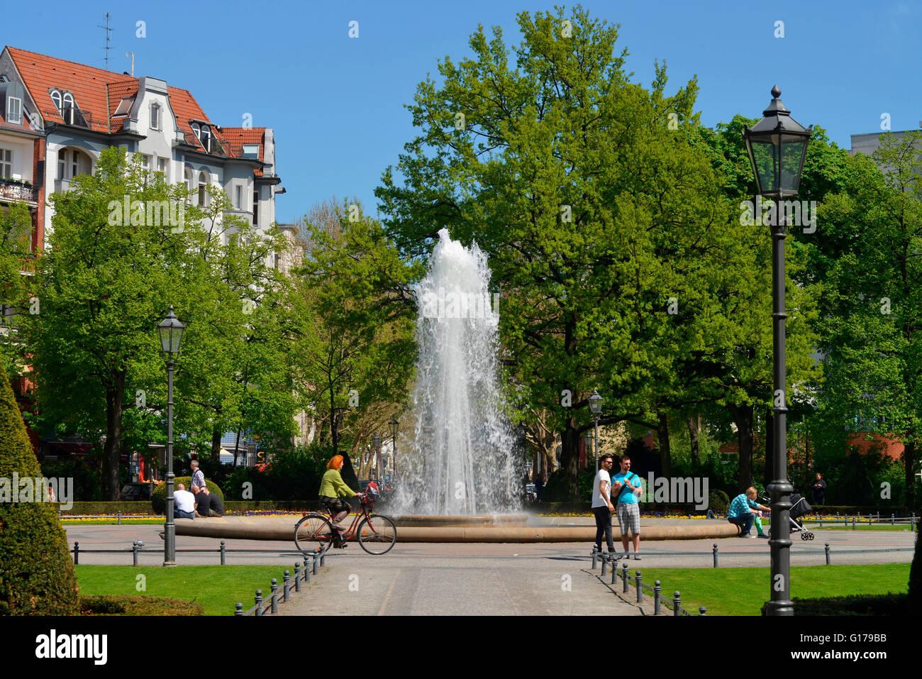 Brunnen, Viktoria Luise Platz, Schoeneberg, Berlin, Deutschland / Schöneberg