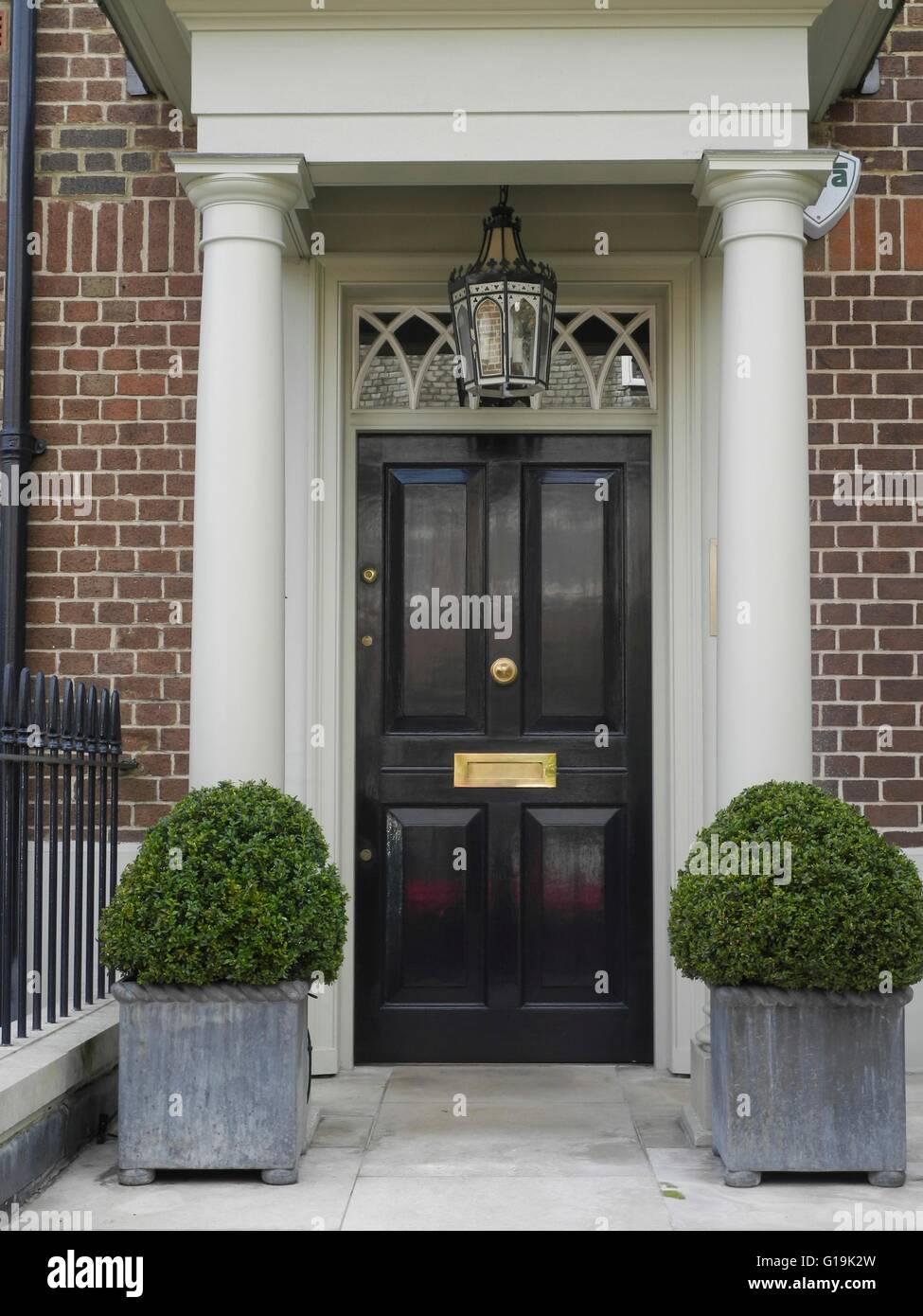 Elegant painted front doors in Mayfair Notting Hill Chelsae London ...