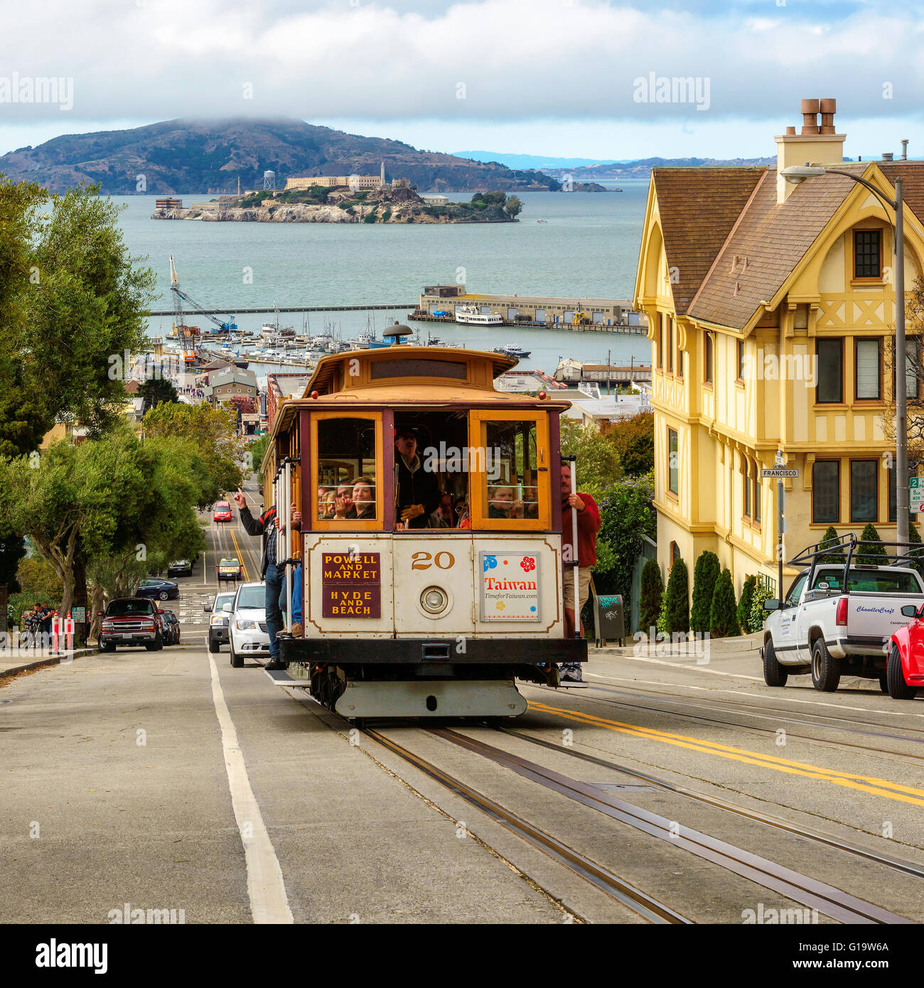 Powell Hyde Cable Cars Traffic In San Francisco Ca Stock Photo