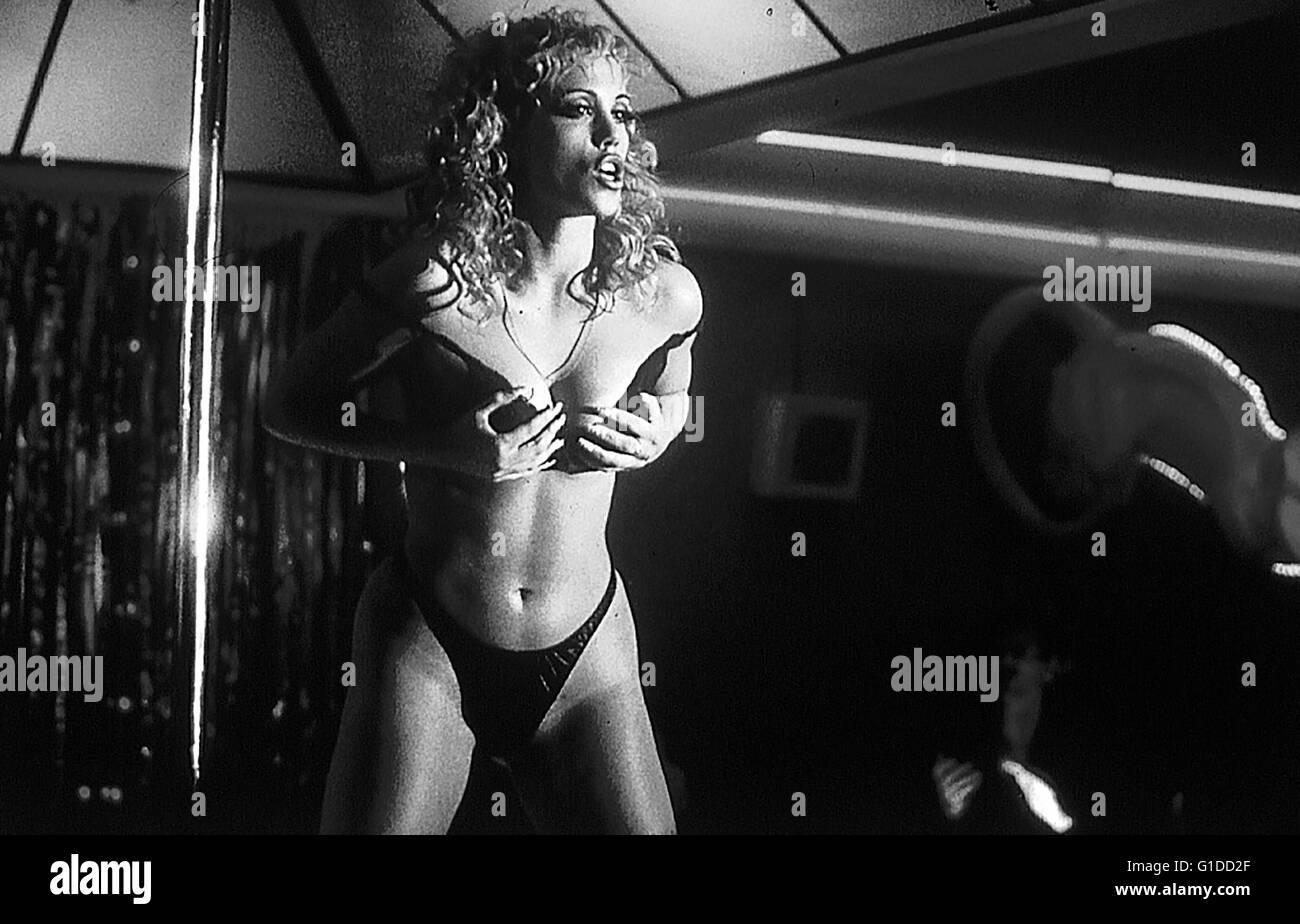 showgirls elizabeth berkley xxx photos