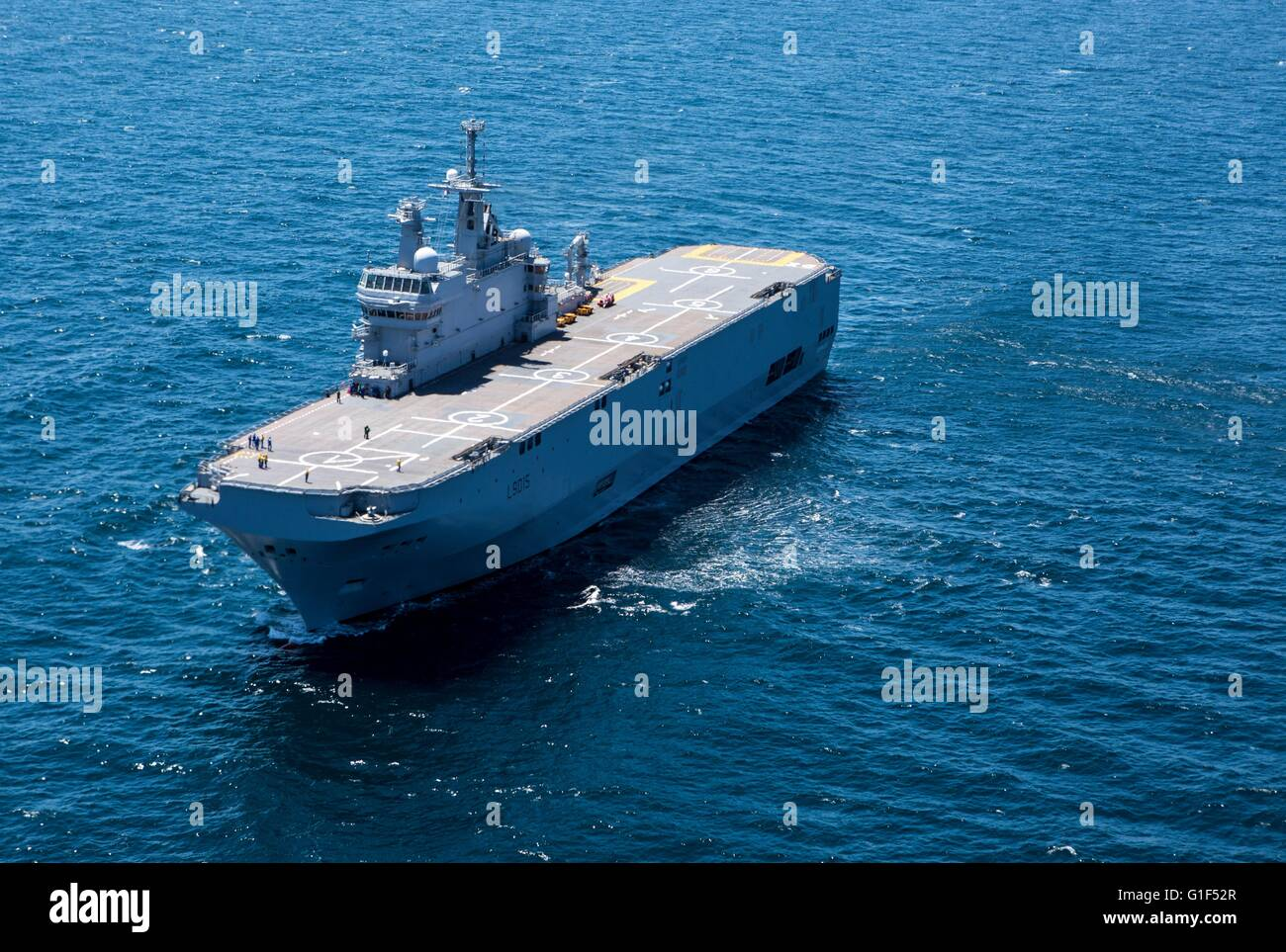 the french navy mistral class amphibious assault ship bpc dixmude underway awaiting the arrival of an