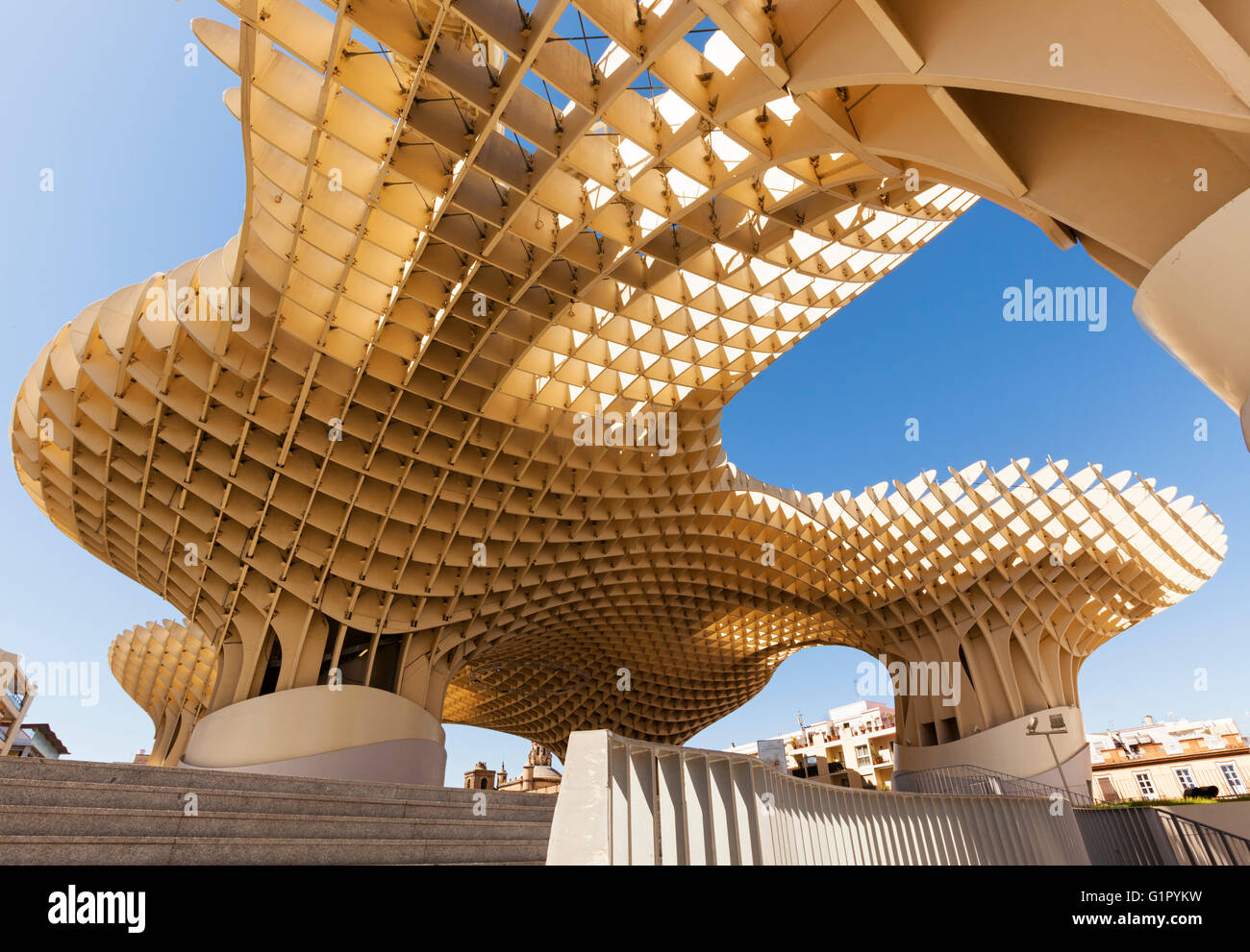 Metropol parasol the world s largest wooden structure - Espacio Metropol Parasol Building At Plaza De La Encarnacion Seville Spain A Wooden