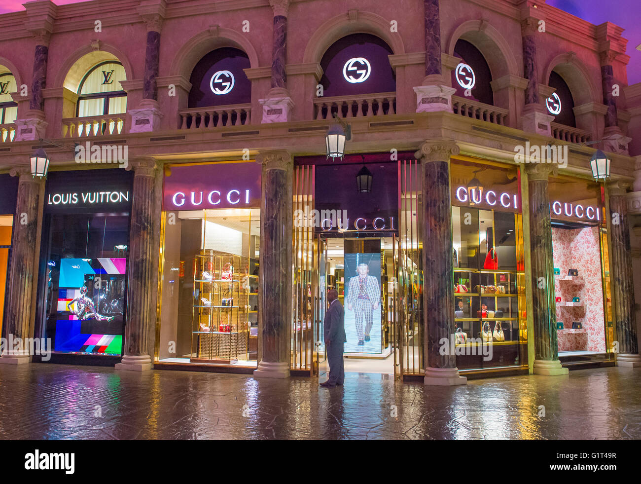 exterior of a gucci store in caesars palace hotel in las vegas stock photo royalty free image. Black Bedroom Furniture Sets. Home Design Ideas