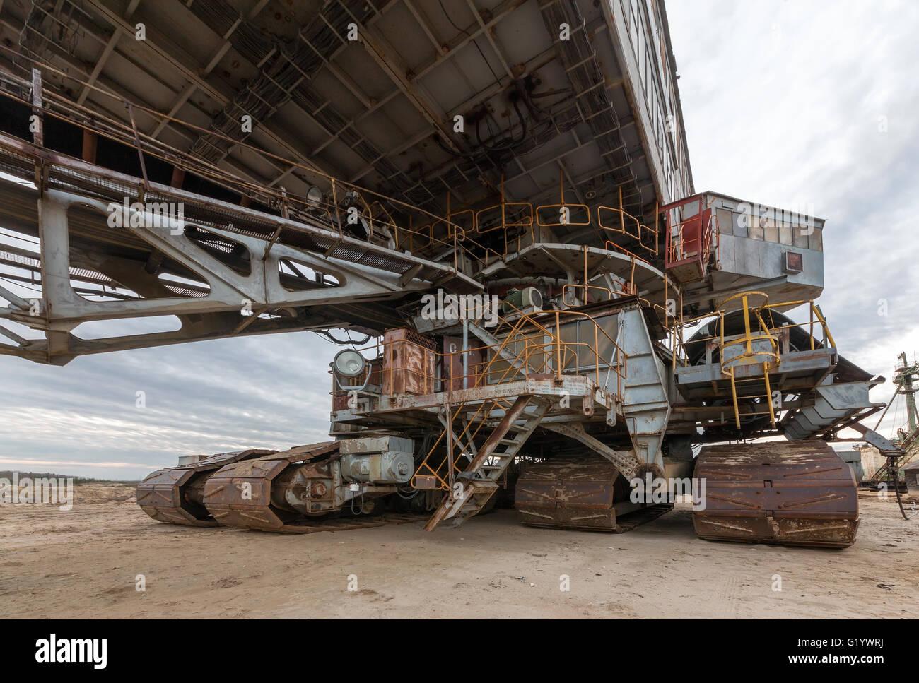 giant cat excavator - photo #17