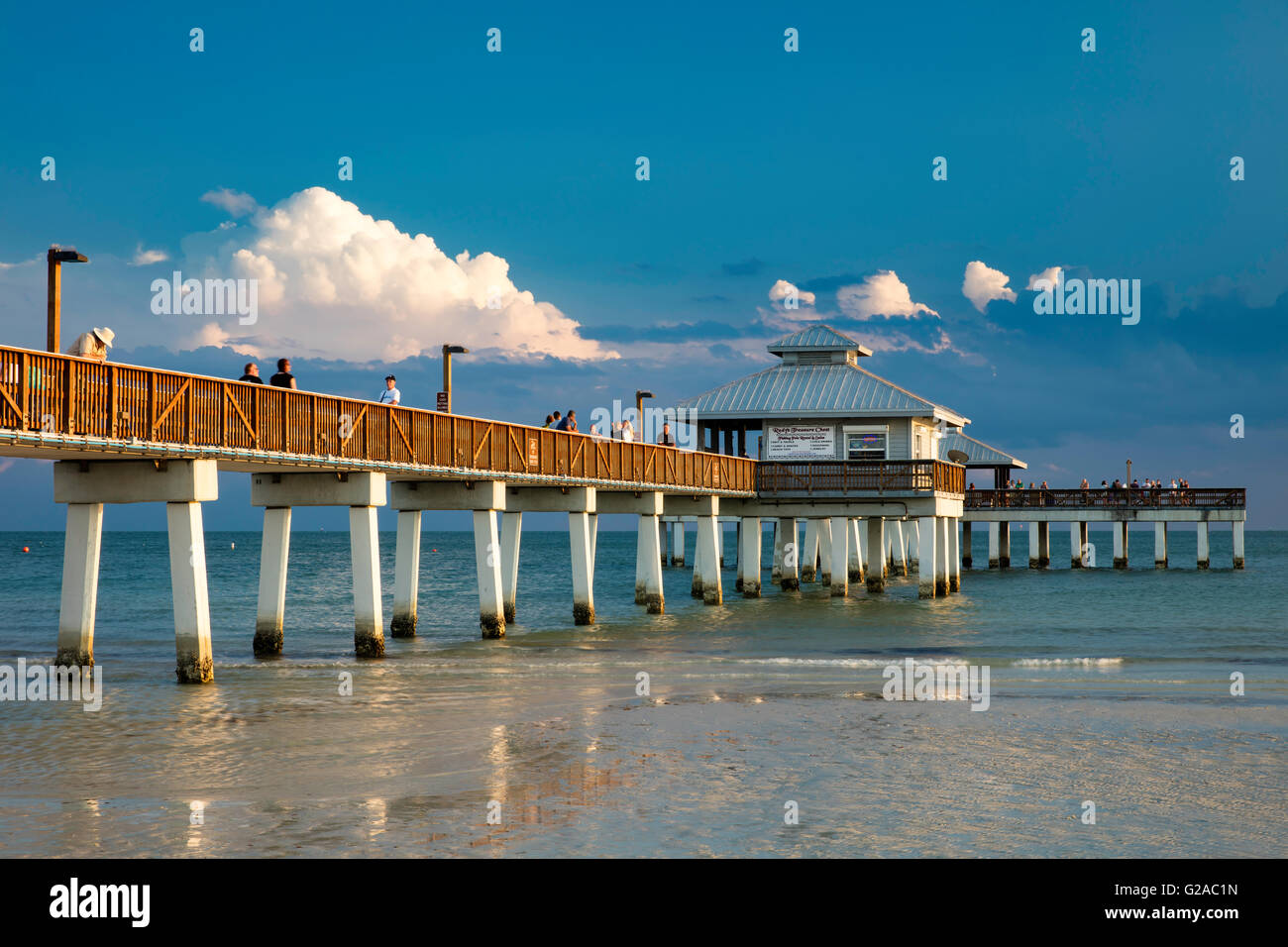 Spring evening at the ft myers beach pier ft myers for Fort myers fishing pier