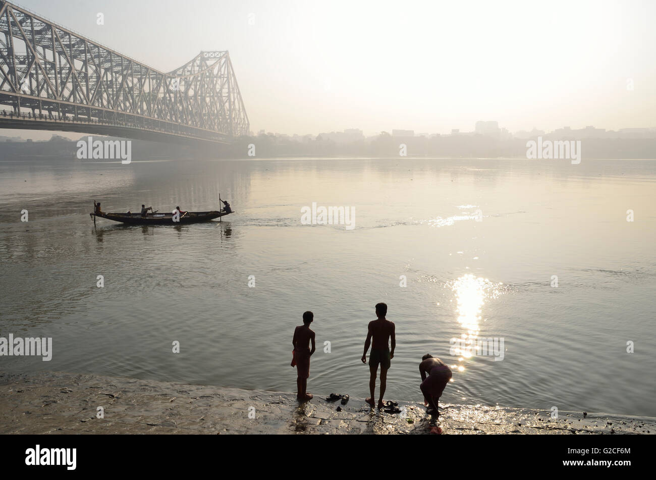 winter in kolkata As such the kolkata weather is heavily influenced by the sea kolkata experiences three major seasons of summer, monsoon and winter the weather during the winter is very favorable in kolkata december to february is the winter season in kolkata.