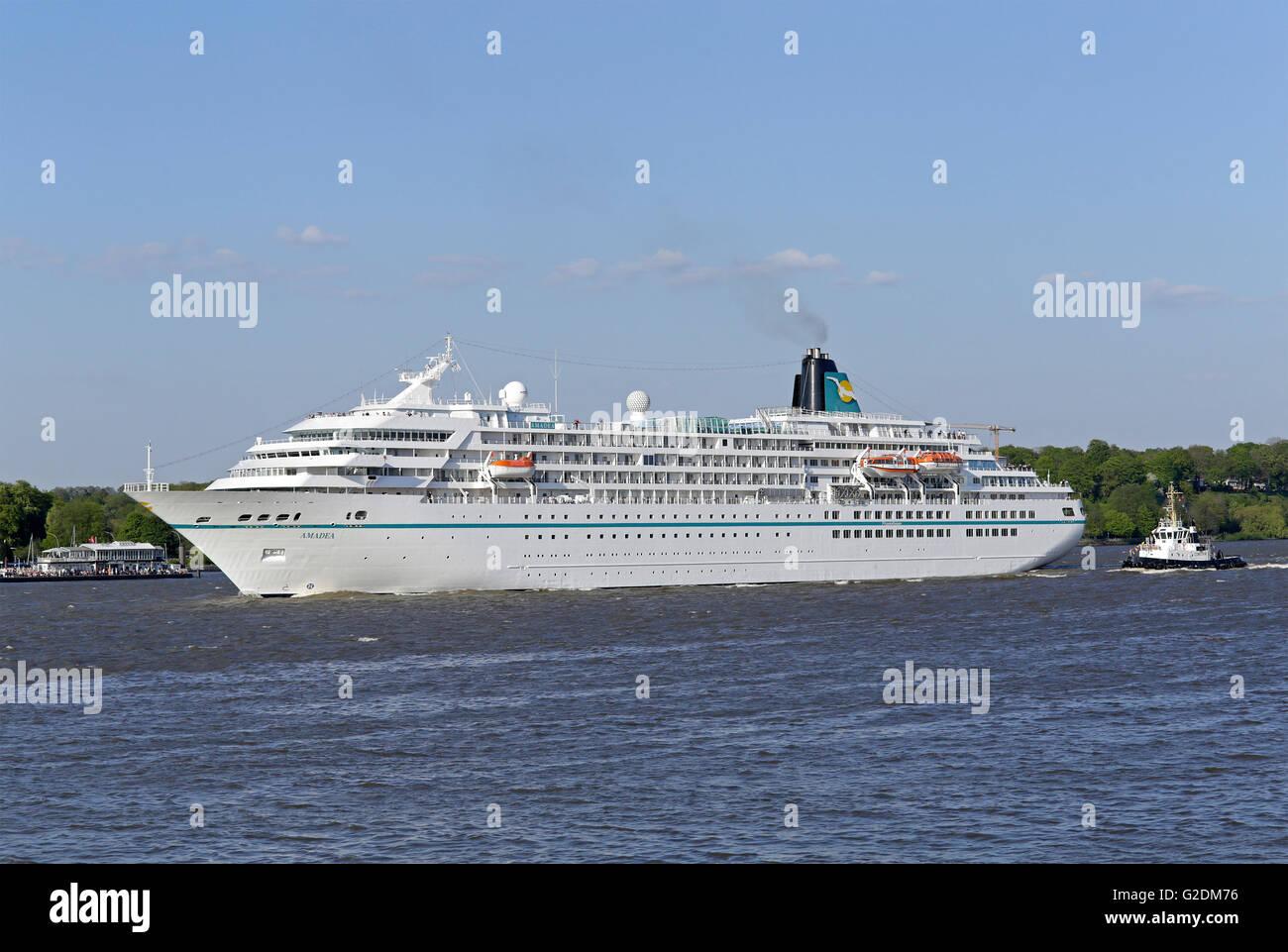 Cruise Ship Amadea Harbour Birthday Teufelsbrueck Hamburg - Cruise ship amadea