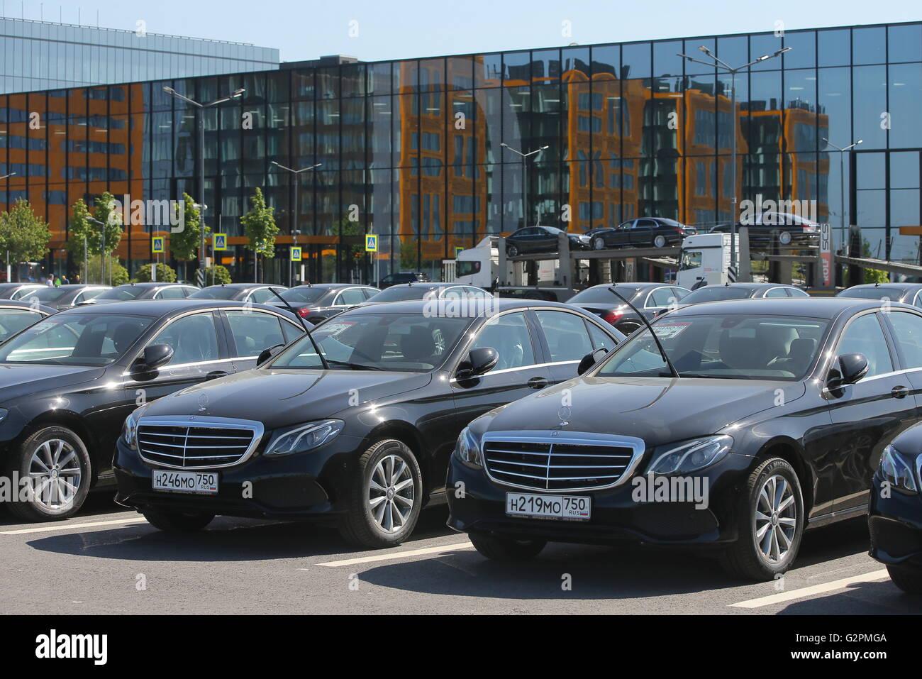 St petersburg russia june 1 2016 mercedes benz s for Mercedes benz st petersburg