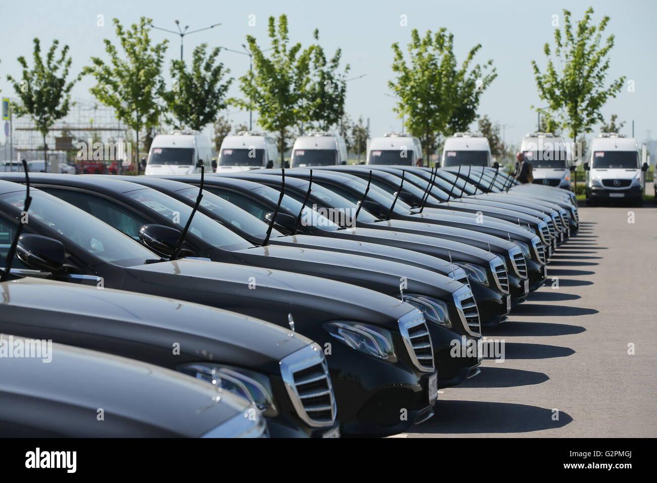 St petersburg russia june 1 2016 mercedes benz s for Mercedes benz of st petersburg
