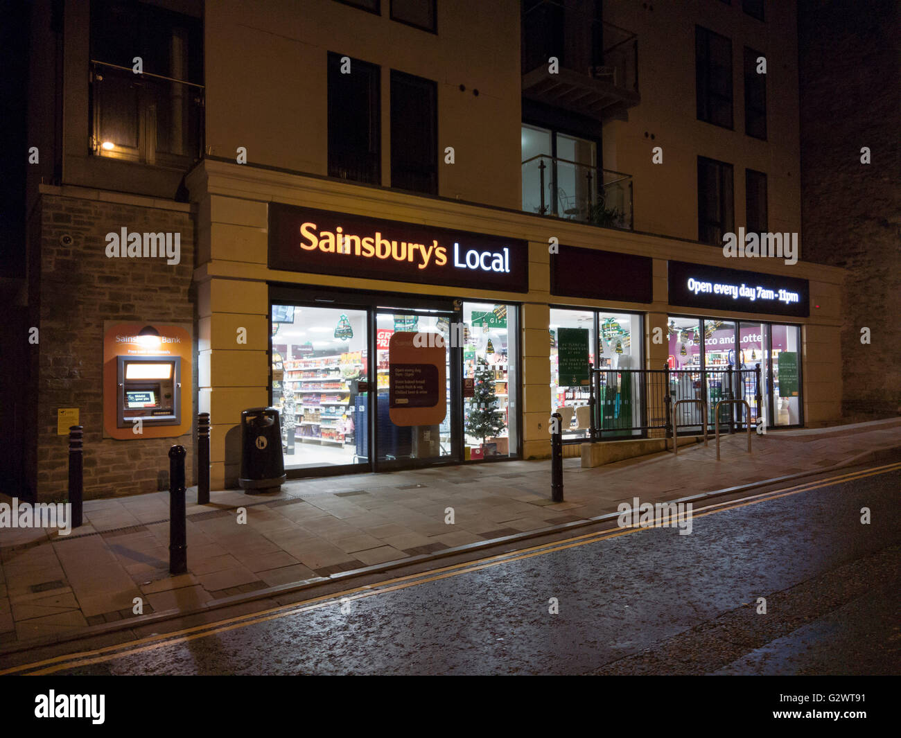 White apron sainsburys - A Sainsbury S Local Store At Night Clevedon North Somerset England Stock