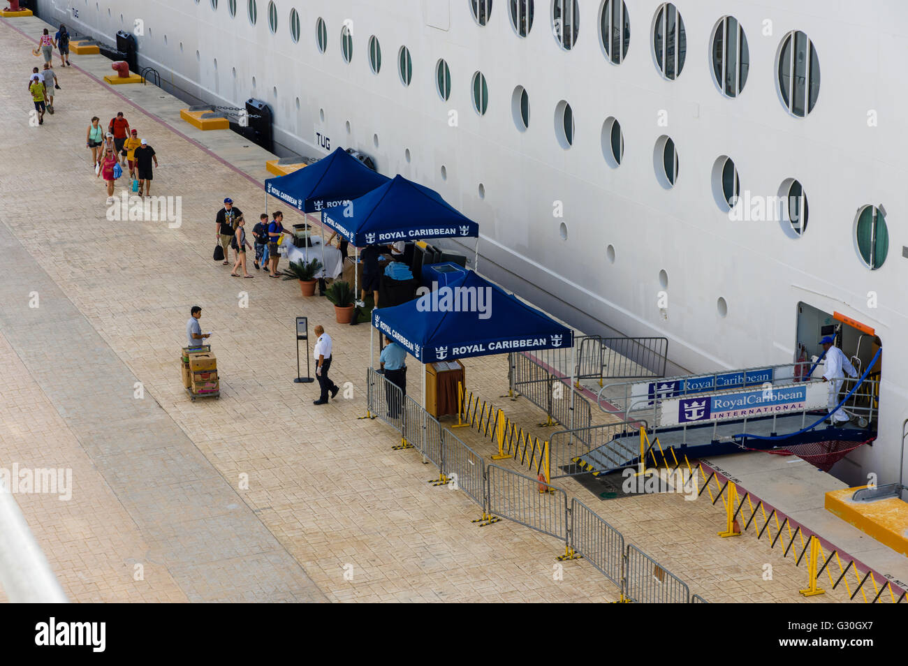 Tourists Returning To Their Cruise Ship Must Go Through Security - Is there security on cruise ships