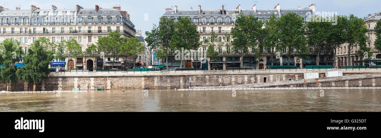 flood decrease decrue de la seine quai de la m gisserie paris stock photo royalty free image. Black Bedroom Furniture Sets. Home Design Ideas