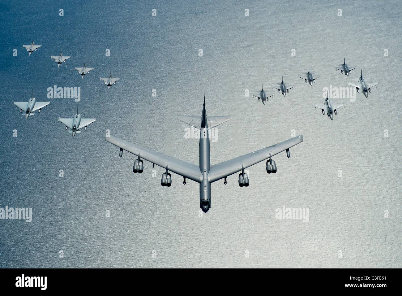 Ungewöhnlich 787 Mit Dem Drahtseil Fliegen Ideen - Schaltplan Serie ...