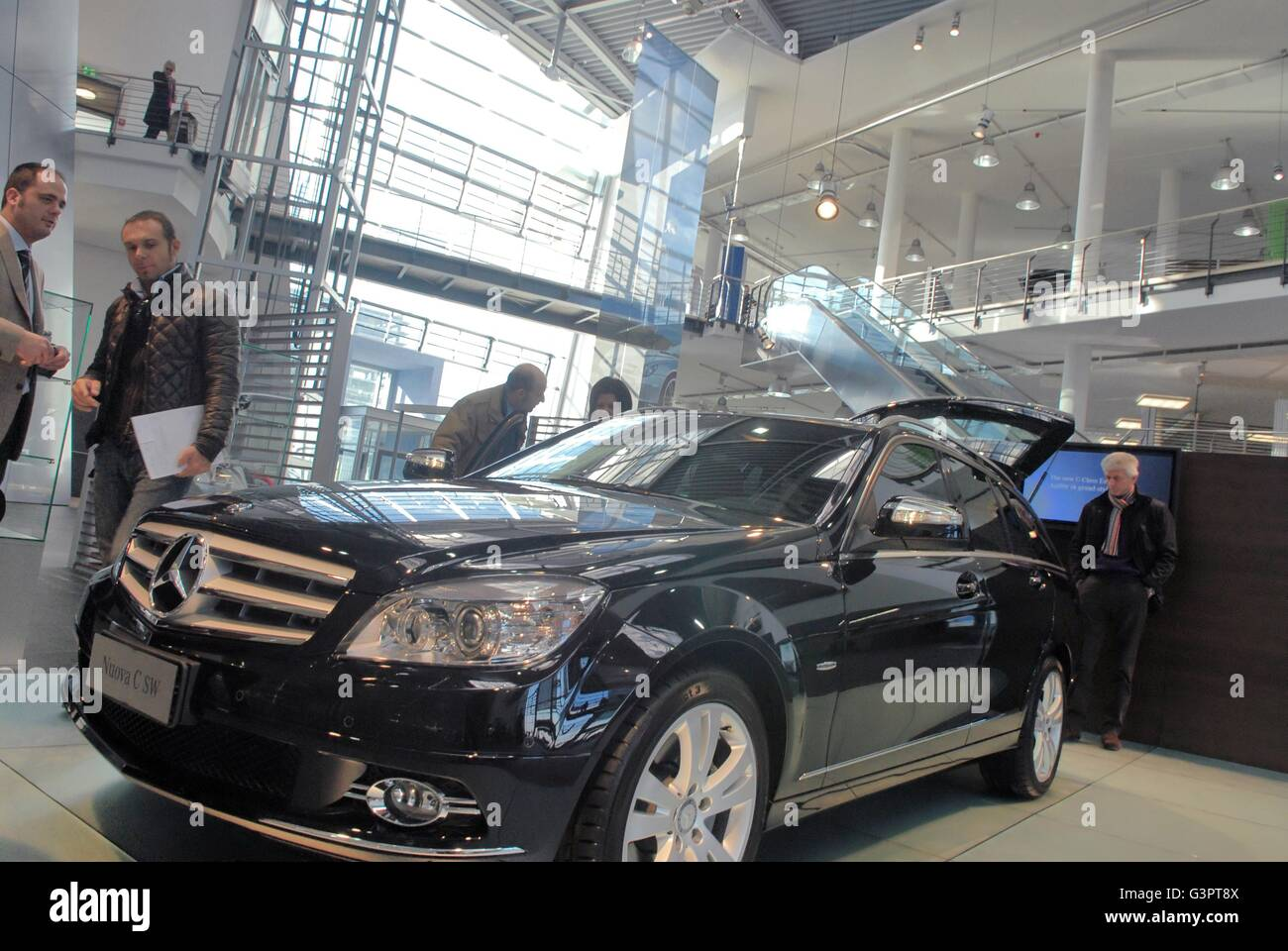The mercedes benz center in milan the largest sales and for The biggest mercedes benz