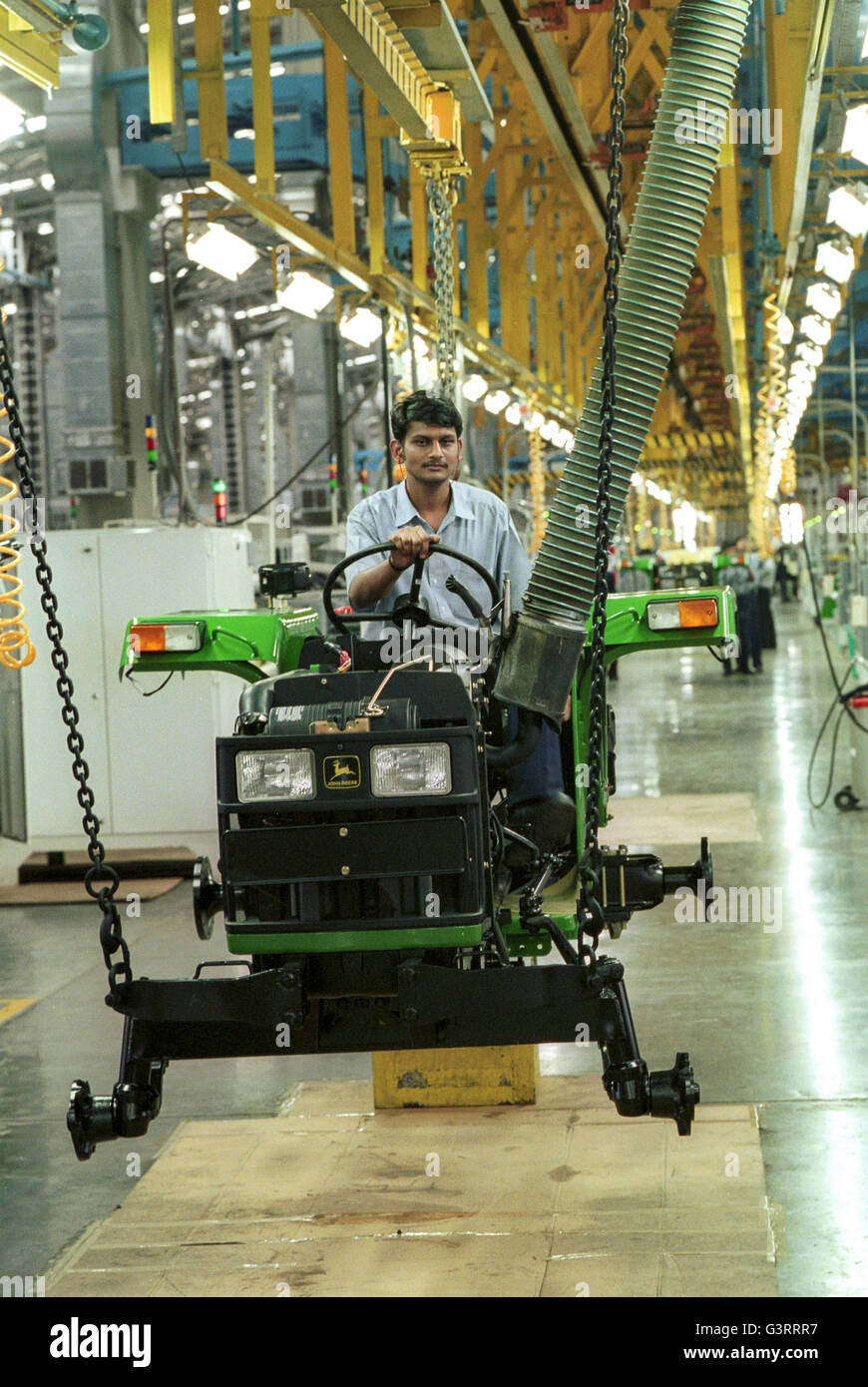 John Deere Assembly Line : India pune john deere tractor factory assembly line