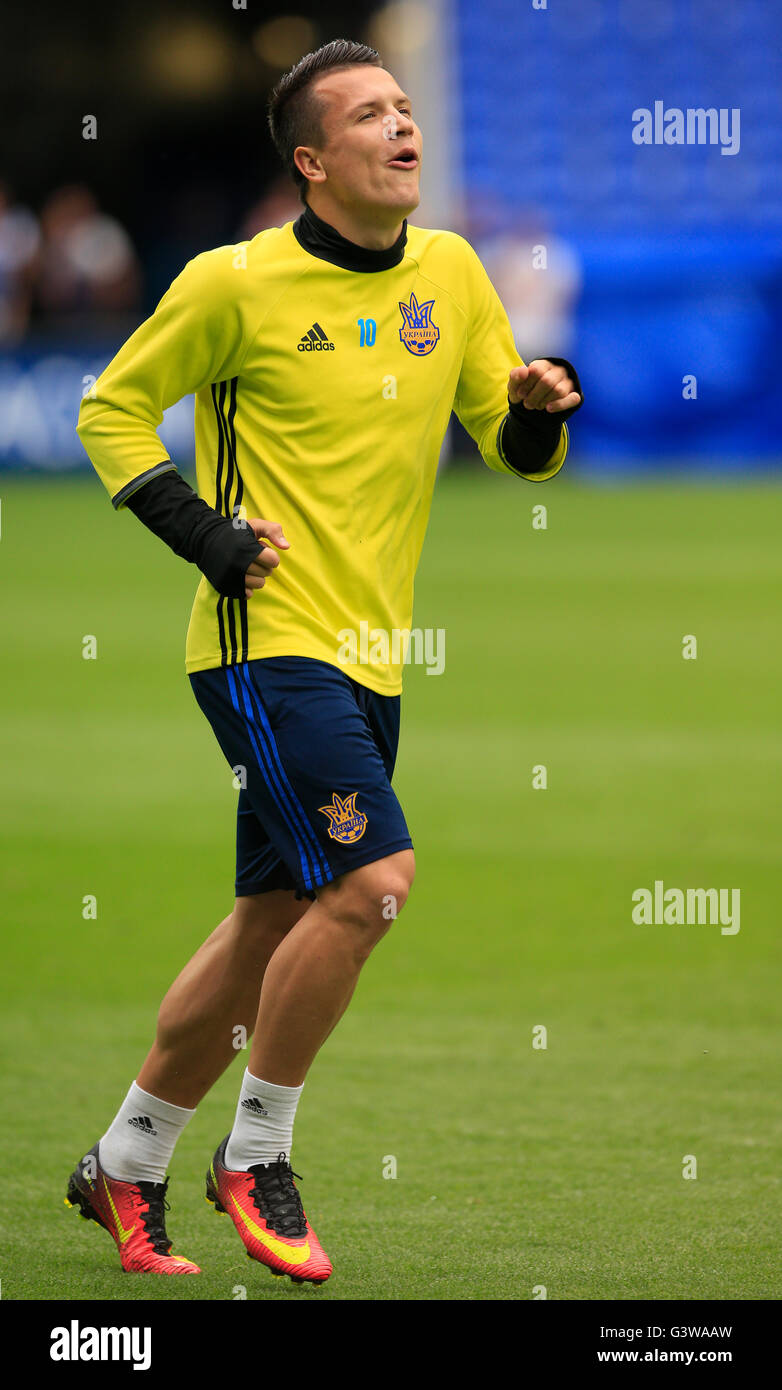 Ukraine s Yevhen Konoplyanka during the training session at the