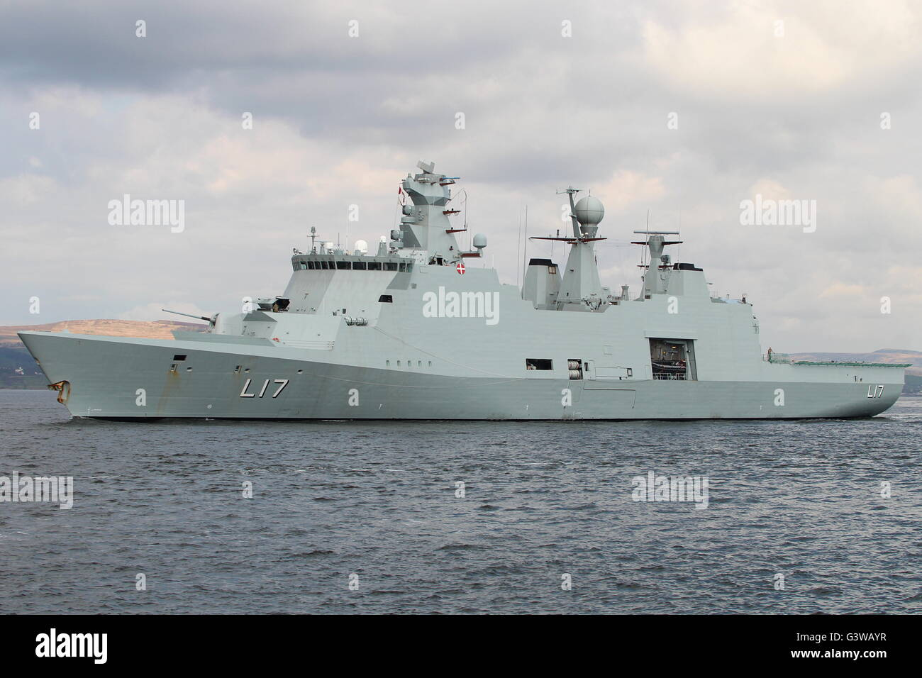 MARINA DE GUERRA DEL PERÚ - Página 32 Kdm-esbern-snare-l17-an-absalon-class-commandsupport-vessel-of-the-G3WAYR